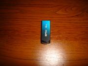 Обміняю USB-флешку 32 гб на 16 гб із доплатою.