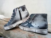 Демисезонные ботиночки-кеды. Есть разные расцветки. Доставка по Украин