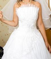 Продам вишукану весільну сукню в гарному стані